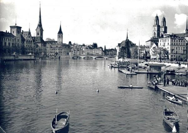 Zürich. Blick v. Quaibrücke auf Grossmünster Vorderseite
