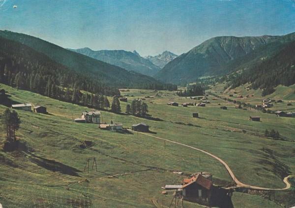 Bergbahnen Brämabüel & Jakobshorn. Blick aus der Kabine gegen Frauenkirch Vorderseite