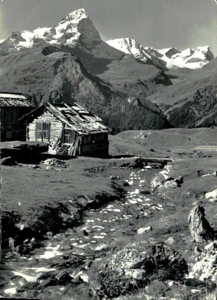 Alp Flix mit Piz Platta Vorderseite