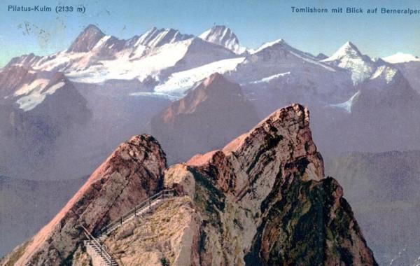 Pilatus-Kulm, Tomlishorn mit Blick auf Berneralpen Vorderseite