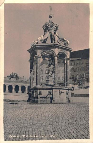 Einsiedeln. Mariabrunnen vor dem Kloster  Vorderseite