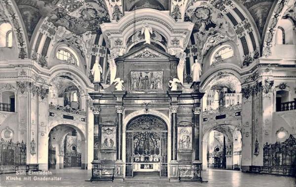 Stift Einsiedeln. Kirche mit Gnadenaltar Vorderseite