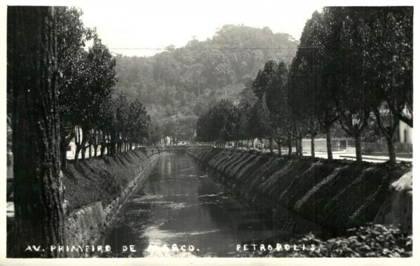 Petropolis, Av. Primeiro de Marco Vorderseite