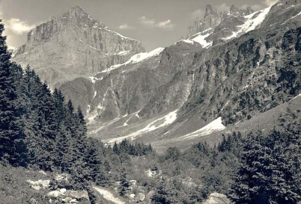 Am Weg nach Alpenrösli-Schlossberg und Spannort Vorderseite