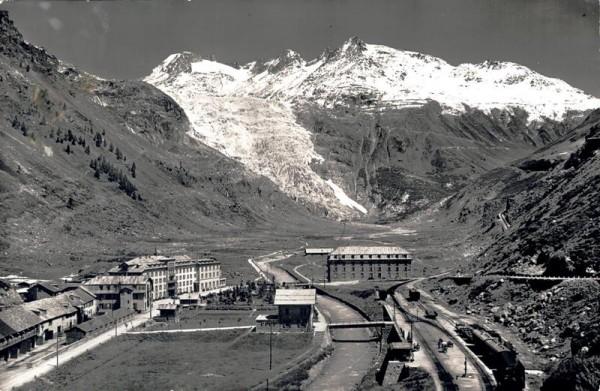 Gletsch mit dem Rhonegletscher, Galenstock, Furkastrasse Vorderseite