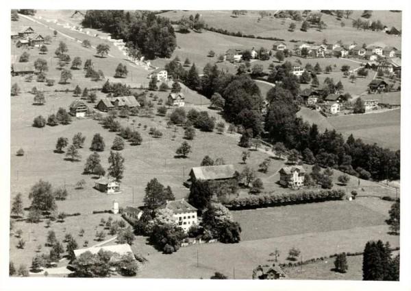 6430 Schwyz SZ, Maihof, Unteres + Oberes Herrenfeld, Nietenbach Vorderseite