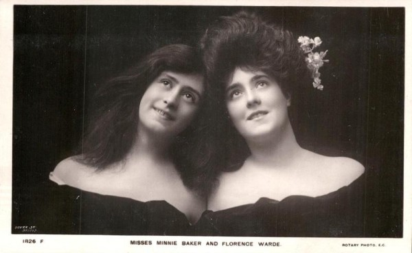 Misses Minnie Baker and Florence Warde Vorderseite