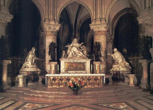 La Cathédrale Notre-Dame de Paris. Vierge de pitié de Nicolas Coustou Vorderseite