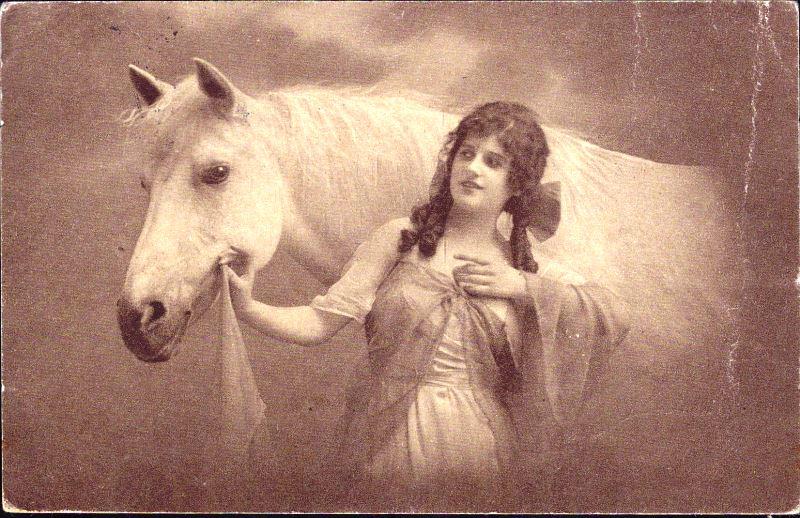 Frau Sucht Mann Mit Pferd - statyavin