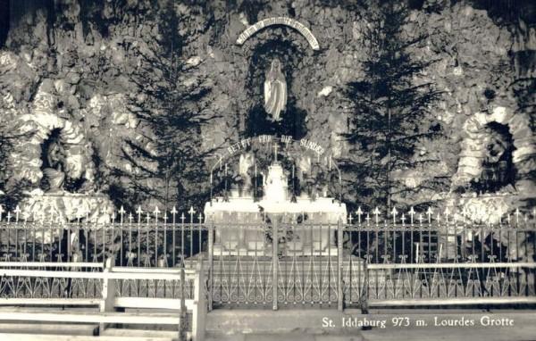 St. Iddaburg. Lourdes Grotte Vorderseite