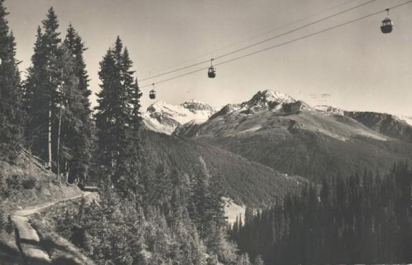 Davos. Gondelbahn Schatzalp. Strelapass mit Mittagshorn, Plattenhorn und Leidhorn Vorderseite