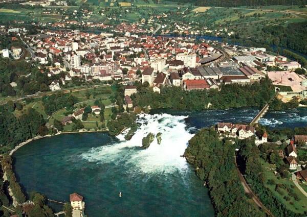Flugaufnahme Neuhausen am Rheinfall Vorderseite