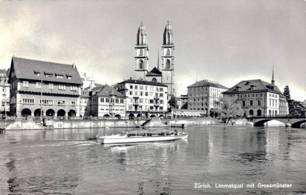 Zürich. Limmatquai mit Grossmünster Vorderseite
