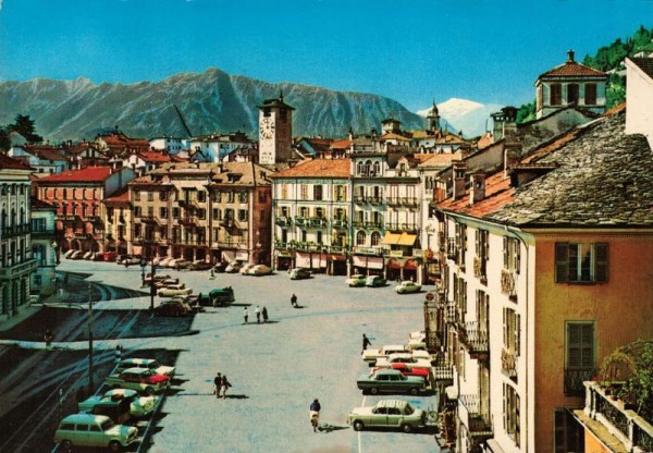 Lugano. Piazza Grande Vorderseite