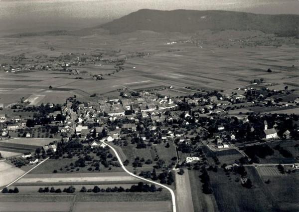 8213 Neunkirch SH, Dorf, Bergkirche Neunkirch Vorderseite