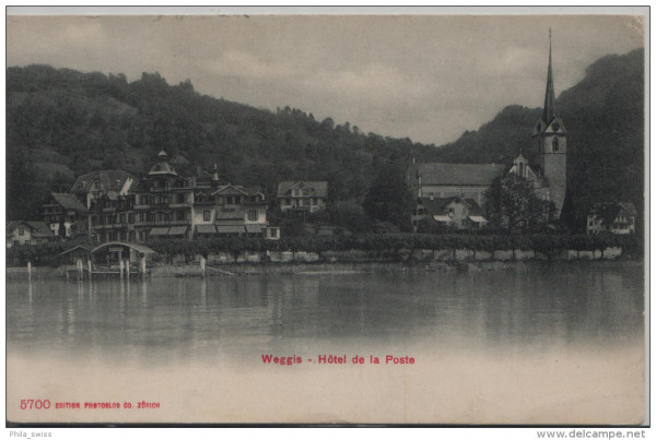 Weggis - Hotel de la Poste mit Kirche