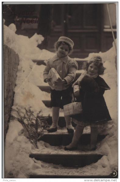 Fröhliche Weihnachten mit 2 kleinen Mädchen auf einer verschneite Treppe - Joyeux Noel - 2 petites f