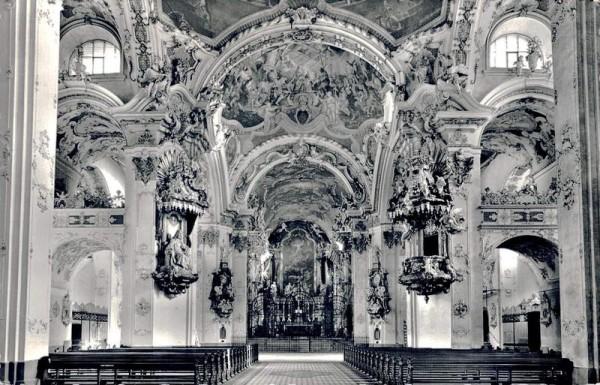 Kloster- und Wallfahrtskirche Einsiedeln Vorderseite