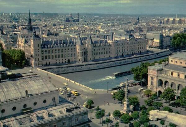 Paris, Place du Chatelet Vorderseite