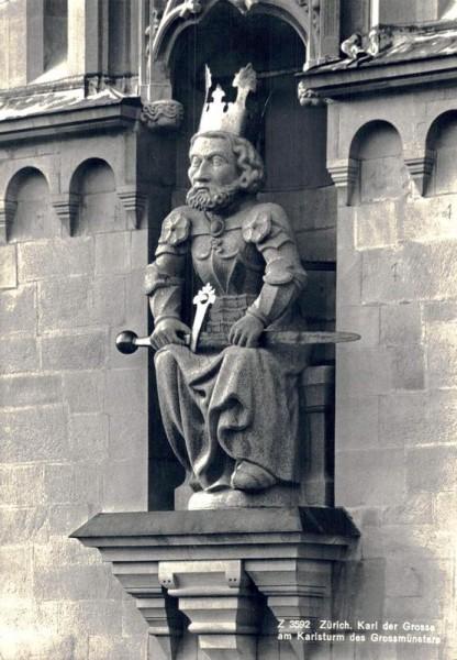 Zürich. Karl der Grosse am Karlsturm des Grossmünster Vorderseite