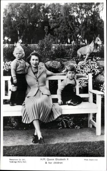 Queen Elizabeth II & her children Vorderseite
